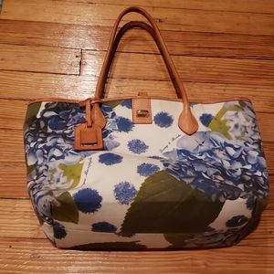 Authentic Dooney & Bourke hydrangea handbag